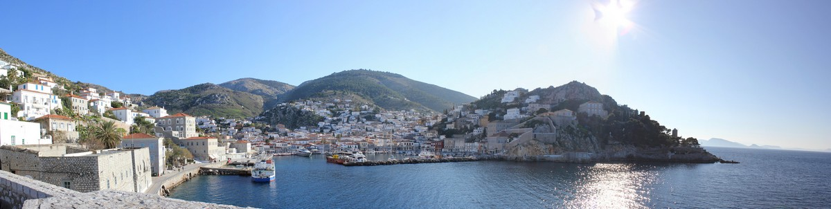 Entrance of Hydra harbor